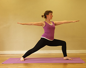 postnatal-classes-vera-pose